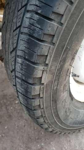 4 neumáticos usados Pirelli scorpion 255/70 R16