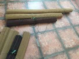 Persianas de bamboo.