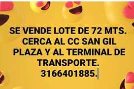 Se vende lote de 72 mts. Cerca al CC San Gil plaza y al terminal de transporte.