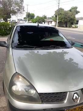 Se vende Renault Symbol 2004 en Sahagún $8.500.000