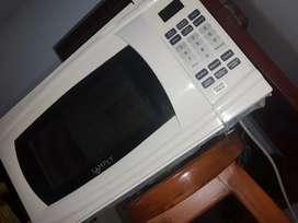 Vendo horno microondas en excelentes condiciones