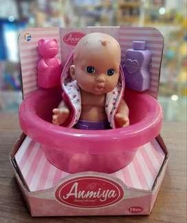 Bebé con bañera
