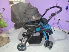 Coche para bebé ligeramente usado