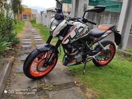 KTM DUKE 200  (2014) Cc vendo o cambio
