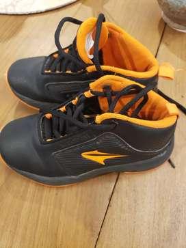 Vendo zapatillas tooper como nuevas