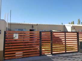 Alquiler casa en plottier con patio y quincho