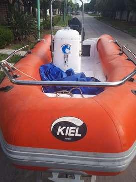 Kiel 4.60 con Mercury 40 Hp