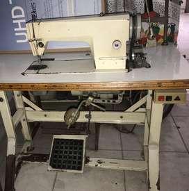 Maquina de coser plana de arrastre pesado