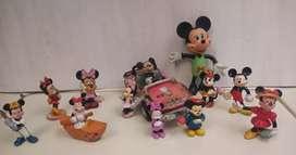 Figuras y carro antiguo Miky