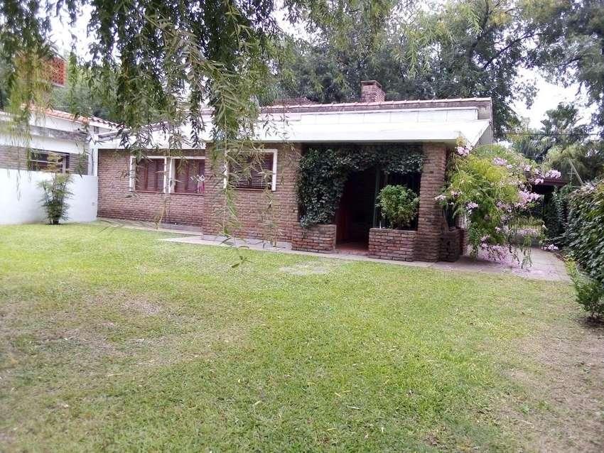 Casa en Funes, alquilo x 3/4 meses, centrico/tranquilo, pequeña pileta 0