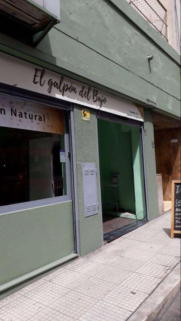 """Local DUEÑO VENDE """"  Tucumán  316  ( c.a.b.a)"""