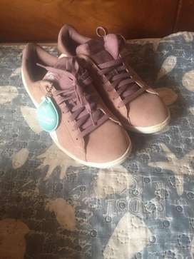 Tenis puma color lila