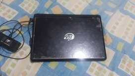 Laptop vit p2413