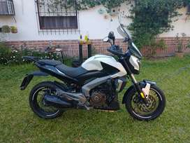 Dominar 400 impecable