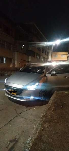 Mazda 2 Sedan modelos 2020