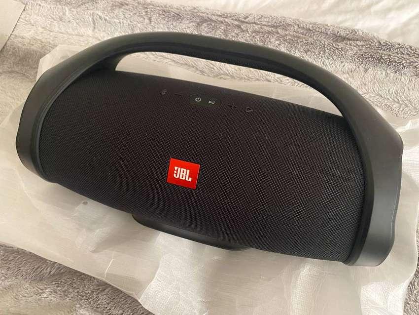 JBL Boombox 0