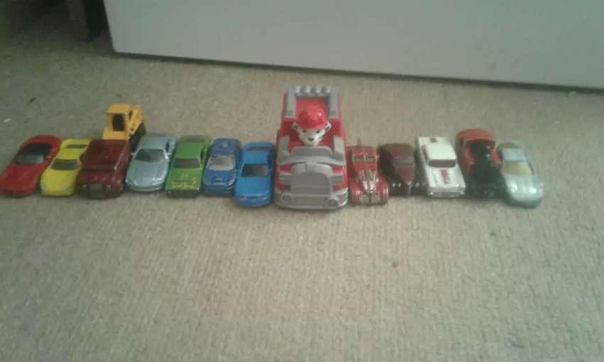 Vendo juguetes de autitos 0