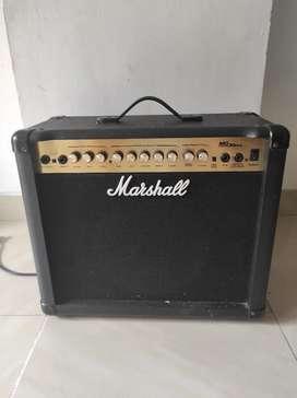 Amplificador Marshall guitarra