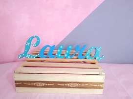 Decorativo en madera - Nombre Laura