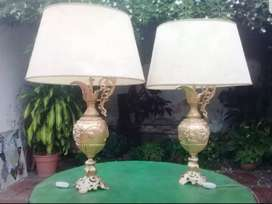 Dos lamparas de bronce talladas estilo Francés