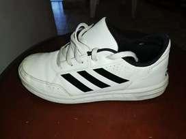Adidas Talla 4 Usa
