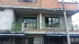 Se Alquila Apartamento Barrio Los Mangos-Zamorano segundo piso con parkeadero para moto. Totalmente independiente