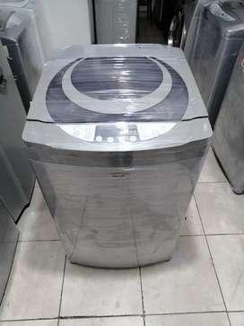 Lavadora 30 libras, haceb, moderno, digital, buen estado