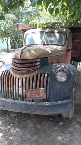 Vendo camión Chevrolet 46 para repuesto con volquete
