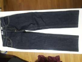 Pantalón Jean T.12 .