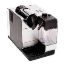 Cafetera Nespresso Lattissima Touch F511 automática white para cápsulas monodosis 220V