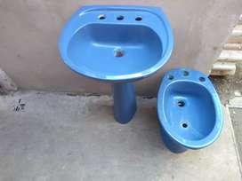 Pileta de baño con pie y bidet Ferrum