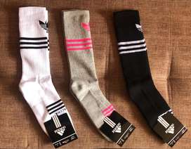 Medias Adidas y Nike.