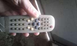 tv de 14 funcionando y con control remoto