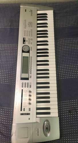 Teclado Korg Tritón Le 61 keys