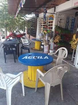 Se vende o permuta Negocio de tienda y variedades en el Barrio parque Habitacional La Esmeralda sector (Covisan)