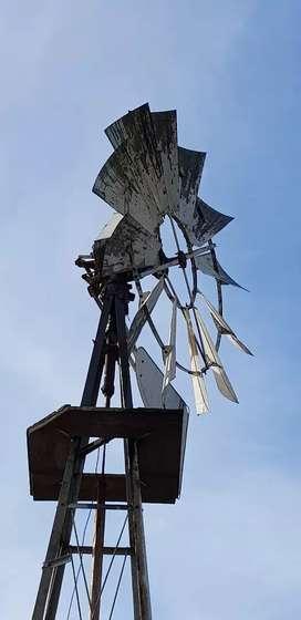 Vendo Molino a viento para sacar agua de pozo