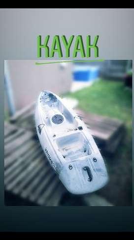 Kayak con remo.