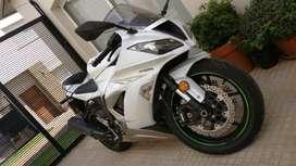 VENDO IMPECABLE MOTO KAWASAKI ninja zx6r abs 636CC