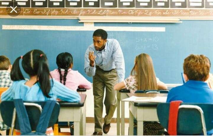Busco empleo como docente de ciencias sociales 0