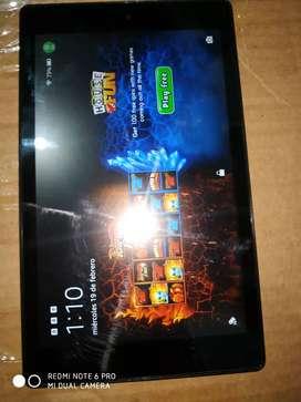 VENDO O CAMBIO Hermosa tablet amazon fire 8Hd 7generacion