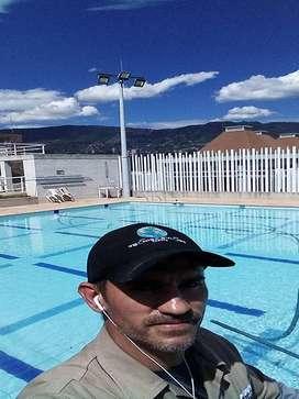 Mantenimiento de piscinas limpieza desinfección reparación cuarto maquinas