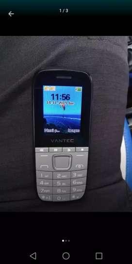 Vendo Celular Básico De Oportunidad Flamante Tiene cámara y para tarjeta de memoria