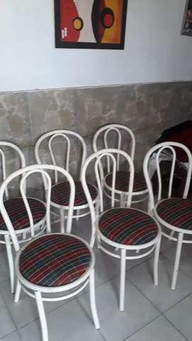 Vendo 6 sillas  tapizadas