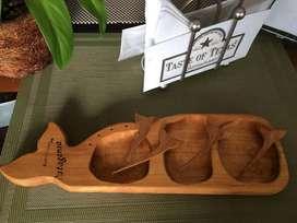 Tabla de Madera de algarrobo para Picada / Copetinera con Pinches