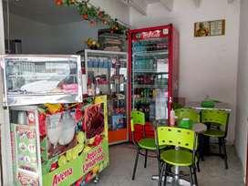 Se vende heladería y frutería