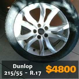 Cubierta para auto Peugeot marca Dunlop