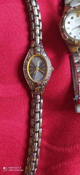 Dos relojes Marca Guess y Quartz ala venta