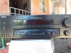 Se vende power amplificado de 265 SONY
