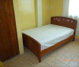 Habitación con cama y baño privado cerca al Centro Trujilloo cerca al centro de Trujillo
