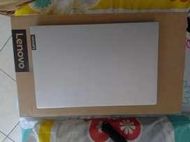Laptop Lenovo core i7.
